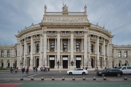 Le Burgtheater